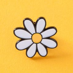 Daisy Enamel Pin prety flower pin, daisies pin badge EP105 (€7,12) ❤ liked on Polyvore featuring jewelry, brooches, enamel jewelry, fancy jewelry, butterfly jewelry, pin brooch and daisy brooch