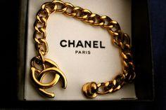 Want this chanel charm bracelet Chanel Jewelry, Jewlery, Jewellery Box, Bangle Bracelets, Gold Jewelry, Coco Chanel, Chanel Paris, Bracelets, Earrings