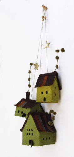 Set of three Houses felt ornaments, Wall hanging Decor, Housewarming Gifts. www.intres.etsy.com