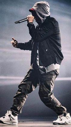 Eminem adresseert problemen die bij iedereen wel eens voorkomt. Daarom spreekt het mij ook zo aan.
