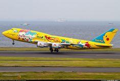 ANA Pokemon Boeing 747-481D @ HND