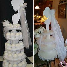 Bridal Shower Cupcakes, Bridal Shower Centerpieces, Table Centerpieces, Diy Wedding, Wedding Cakes, Bridal Party Games, Bride Groom Photos, Cake Blog, Bride Dolls
