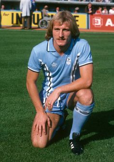 Steve Hut. 1978 -1984. 185 appearances. 27 goals