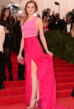 Emma Stone em Thakoon na Met Gala   PRONTA E VESTIDA