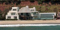 Steven Spielberg (Malibu, CA) Steven Spielberg's beachfront compound...wow!