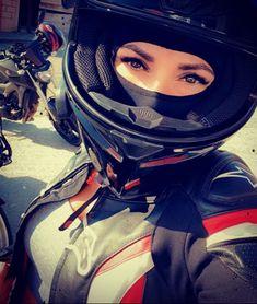 Motocross Girls, Master Chief, Motorcycles, Helmet, Fictional Characters, Hockey Helmet, Helmets, Fantasy Characters, Motorbikes
