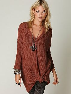 Love the knot in the tunic.... long necklace and the stacked bracelets #bohemian Genteel V-Neck Tunic #freepeole #fashion