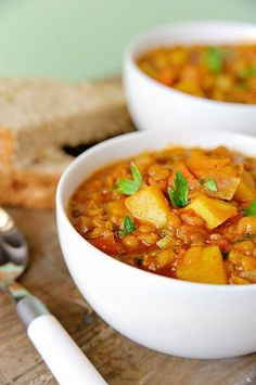 Curried Lentil Soup - all things curry! Curried Lentil Soup, Lentil Stew, Lentil Curry, Curry Soup, Soup Recipes, Vegetarian Recipes, Dinner Recipes, Cooking Recipes, Healthy Recipes