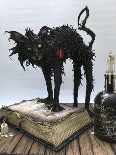 Ice Cake, Dog Cakes, Halloween Cakes, Halloween Ideas, Sugar Paste, Cute Dogs, Lion Sculpture, Creatures, Statue