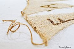 No-Sew Burlap Banner for Fall   personallyandrea.com