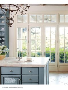 Again, orienting the kitchen in the center of the room. Kitchen Butlers Pantry, Painted Cupboards, Kitchen Confidential, Interior Design Inspiration, Design Ideas, Kitchen Family Rooms, Kitchen Decor, Kitchen Ideas, New Home Designs