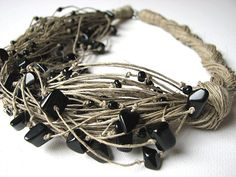 NatuRal ONYX  -  linen necklace