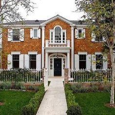 Stucco Colonial With White Brick Design Ideas Colonial Style Homes, French Style Homes, Black Painted Stairs, Black Entry Doors, Cedar Shingle Siding, Traditional Home Exteriors, White Shutters, Brick Design, Transitional House