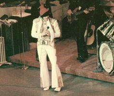 1976-elvis-presley-december-4-elvis-presley-1