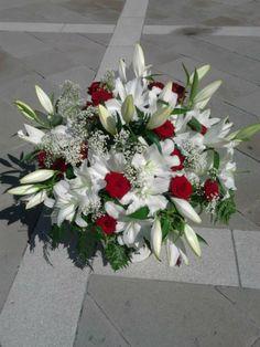 Flower wedding..chose Eventulmente!