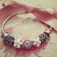 Pandora Bracelet White Blanc Silver Argent Bijoux et charms à retrouver sur www.bijoux-et-charms.fr