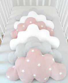 Tour de lit nuage pour petite fille