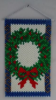Christmas Perler Beads, Beaded Christmas Ornaments, Pony Bead Patterns, Beading Patterns, Loom Patterns, Christmas Projects, Holiday Crafts, Pony Bead Projects, Seed Bead Art