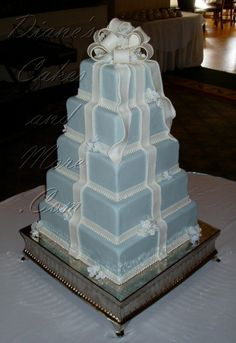 Square Wedding Cake with Bow