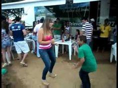Baixinho dançador de Forró, musica Garota Safada.