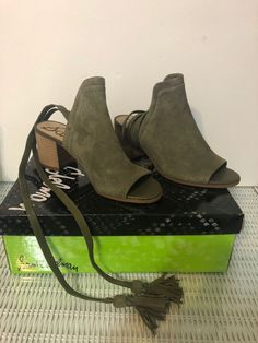 9e23db00e485 Sam Edelman Women s Sampson Heeled Sandal Taupe Rose Suede 6 Medium US   fashion  clothing