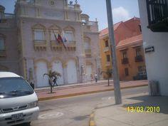 Teatro Heredia, en la Cartagena antigua. Es un ícono de la ciudad.