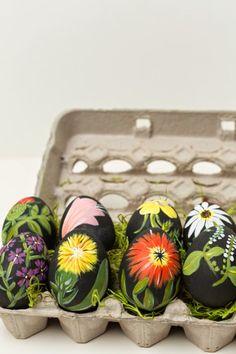 DIY: Huevos de Pascua con dibujos de botánica