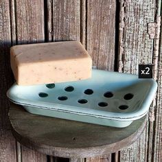 Reminiscent of the enamel trade of the 1900's, our enamelware soap dishes are full of farmhouse charm. The best part? These soap trays come at two for the price of one. For more visit www.decorsteals.com