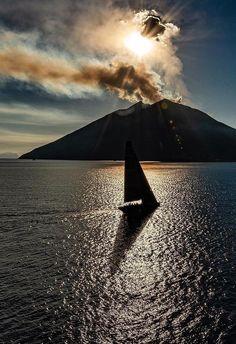 Stromboli Siena Toscana, Tuscany, Stromboli Volcano, Beautiful World, Beautiful Places, Sailing Holidays, Seen, Sicily Italy, Europe Destinations