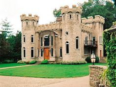 Would you like to live in a modern castle house plans? When you first look at this house, you will immediately be intrigued by its great design Castle House Plans, Modern Castle House, Castle Homes, Plan Image, Small Castles, Tudor House, Mansions Homes, Beautiful Castles, Abandoned Homes