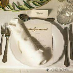 Hochzeitsmenü menükarte Blattgold foto bildermacherei.at design hochzeitsgrafik.at Place Cards, Place Card Holders, Tableware, Design, Gold Leaf, Dinnerware, Tablewares, Dishes