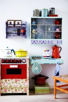 play kitchen......would like this as my own !