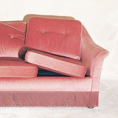 Light Pink is a color of harmony and emotional balance. Symbolizing universal love at its highest level, this color is creativity inspired by beauty. Art Deco Furniture, Furniture Styles, Home Design, Interior Design, Velvet Couch, Pink Velvet, Pink Aesthetic, Decoration, Pretty In Pink