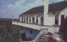 Majestic View Motel - Steubenville, Ohio  -- In Steubenville, I can only imagine what was majestic about it.
