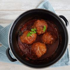 Gehaktballen - deze ouderwets lekkere gehaktballen zijn echt heerlijk en het is nog een makkelijk recept ook. [KLIK DOOR VOOR HET RECEPT]