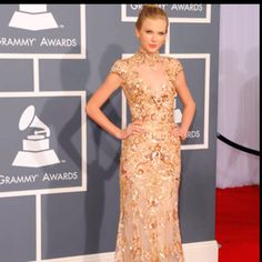 Love! Zuhair Murad dress! Gorg.