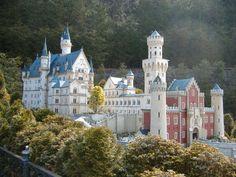 Beautiful Picture Of The Neuschwanstein Castle In Germany Fantasy Castle, Fairytale Castle, Cinderella Castle, Beautiful Castles, Beautiful World, Beautiful Places, Cool Places To Visit, Places To Travel, Beau Site