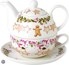 Kerst Christmas tea for one stacking teaset (teapot, cup and saucer) decorated with holly garland, gold stars and gingerbread man cookie, ceramic