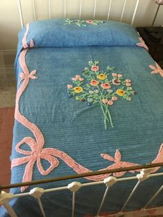 Your place to buy and sell all things handmade Vintage Bedspread, Chenille Bedspread, Bedroom Vintage, Vintage Fabrics, Vintage Patterns, Big And Beautiful, Beautiful Things, Antique Stove, Multi Colored Flowers