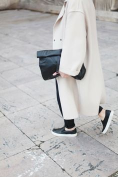 Style - Minimal + Classic: adenorah- Blog mode Paris: PFW DAY 1