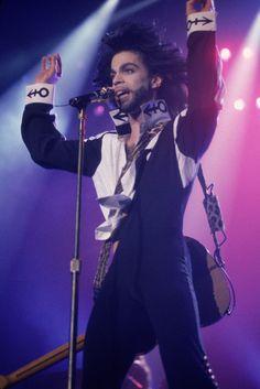 Prince lors d'un concert à Londres, en juillet 1990