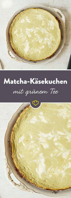 Matcha lässt sich nicht nur als Tee aufgießen. Das herbe Aroma des japanischen Grüntees verleiht diesem Käsekuchen seinen unverwechselbaren Geschmack.