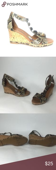 *Libby Edelman* woman's wedges 9/10 . Great condition. Minimal to almost no signs of wear/ tear all around both shoes. I am a businessman, make me an offer I cant refuse! Please do not hesitate to ask any questions or for more pictures. Thank you for your time and have a wonderful day Libby Edelman Shoes Wedges