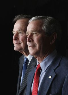 Yahoo News - Latest News & Headlines : In this undated photo, Bush is photographed with his father, former President George H. Bush, at the White House. Presidents Wives, Greatest Presidents, American Presidents, Us History, American History, Tribute To Dad, Barbara Bush, Laura Bush, Bush Family