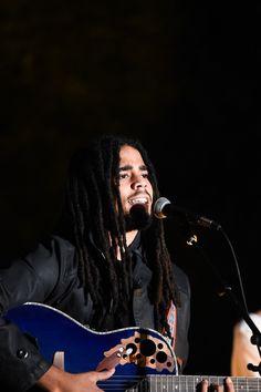6/2/18 Skip Marley Reggae Concerts, Reggae Music, Skip Marley, Bob Marley, Gorgeous Black Men, Beautiful Men, Pierce Brosnan, Dread Hairstyles, Raining Men