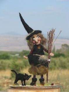 halloween needle felt | Halloween witch with black cat needle felted ... | Gnomes , Fairies a ...