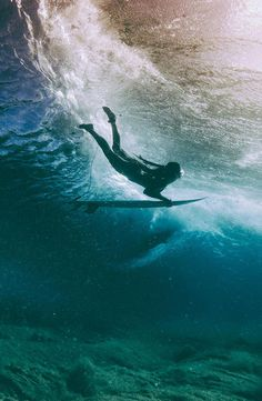 Barbados Surfing conditions are ideal for any level of surfer. Barbados is almost guaranteed to have surf somewhere on any given day of the year. Photo Surf, Surfing Pictures, Surfer Style, Water Photography, Film Photography, Photography Ideas, Beach Aesthetic, Kitesurfing, Belle Photo