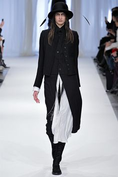 Ann Demeulemeester Paris - Collezioni Autunno Inverno FW 2013-14 - Vogue