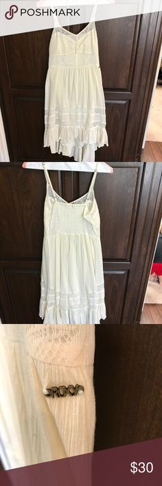 Roxy High-Low Lace Dress Super cute cream dress with lace insets! Perfect for the beach, or I paired it with a jean jacket and cowboy boots for an adorable rodeo outfit! Excellent condition, worn once. Size XS Roxy Dresses High Low
