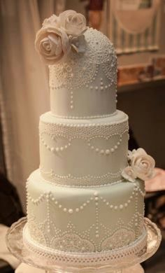 Vintage lace cake-- this with different flowers and not top layer, don't like round top